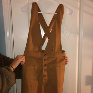 tan overall dress w buttons